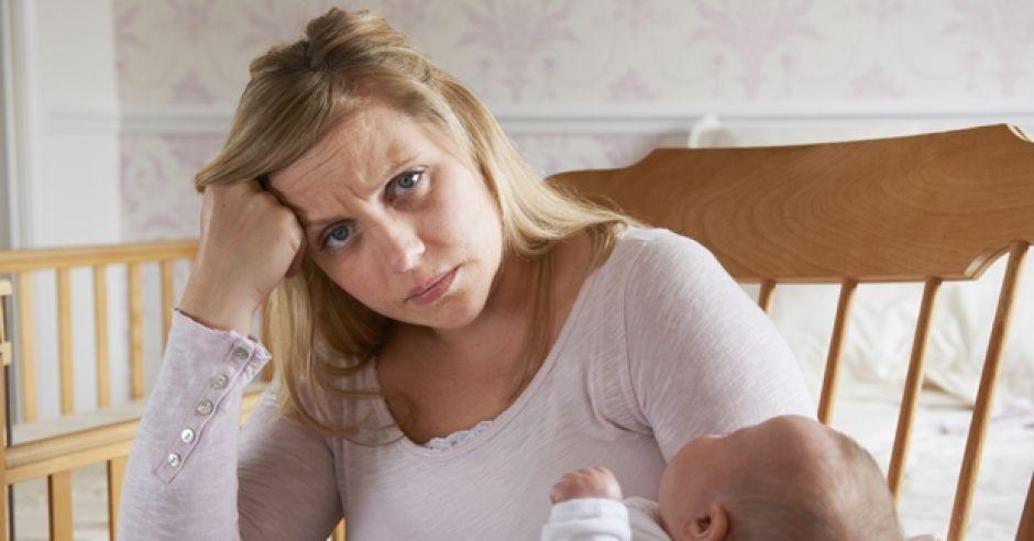 Zaburzenia psychiczne po porodzie: depresja poporodowa i