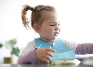 Dlaczego dziecko wybrzydza przy jedzeniu