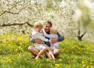 Dlaczego warto mieć więcej niż jedno dziecko? Rady dla taty