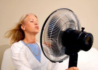 Jak rozpoznać menopauzę? Czy to tylko uderzenia gorąca?
