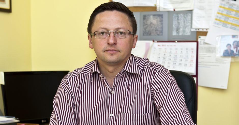 dr hab. prof. nazw. Rober Śmigei, ppediatra, neonatolog i genetyk z Uniwersytetu Medycznego we Wrocławiu
