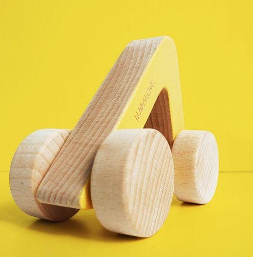 drewniane-autko-gryzak-oda-lullalove-bamadoo-pl65zl.jpg