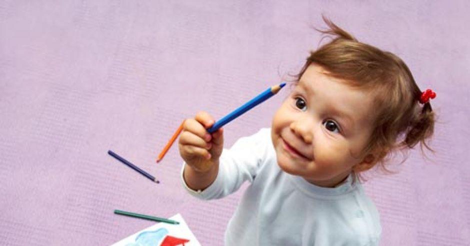 dwulatek, dziewczynka, dziecko, rozwój dziecka, rozwój dwulatka