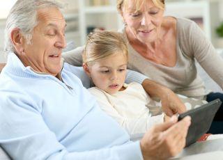 Dziadkowie i wnuczka