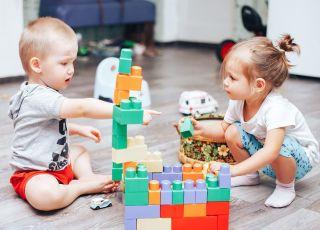 Zabawki, które zabijają kreatywność. Kupujesz je dziecku?