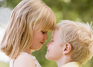dzieci, chłopiec, dziewczynka, lato, wakacje, całować, miłość