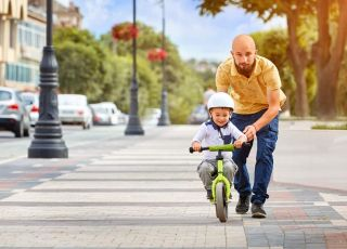 dzieci do 10 lat mogą jeździć na rowerach tylko po chodnikach