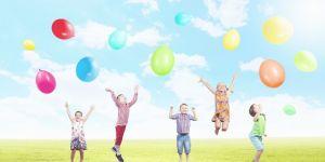 dzieci i balony