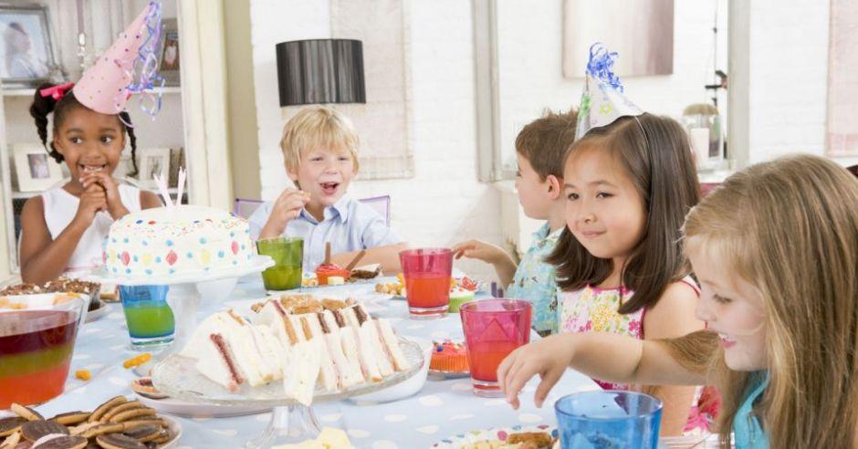 dzieci, kinderbal, przyjęcie