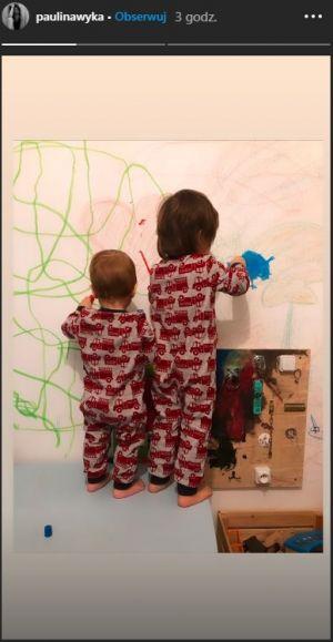 dzieci Macieja Zakościelnego malują po ścianach