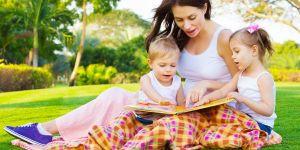 dzieci, mama, opiekunka, niania, piknik, książka, lato, wakacje