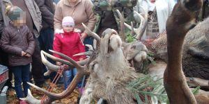 dzieci na polowaniu
