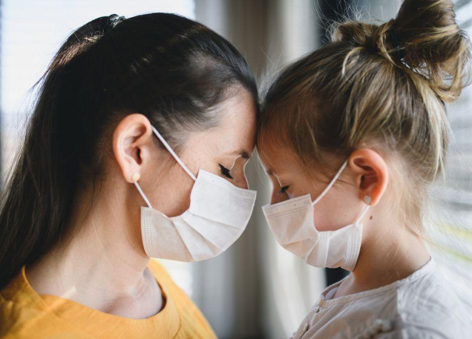Dzieci nie zarażają dorosłych koronawirusem? Zaskakujące wyniki badań!
