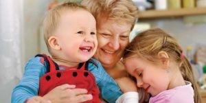 dzieci, niemowlę, babcia, dziewczynka, tulić, dziecko
