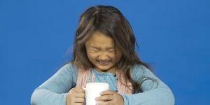 Dzieci piją kawę po raz pierwszy w życiu