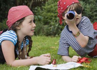 dzieci, piraci, zabawa