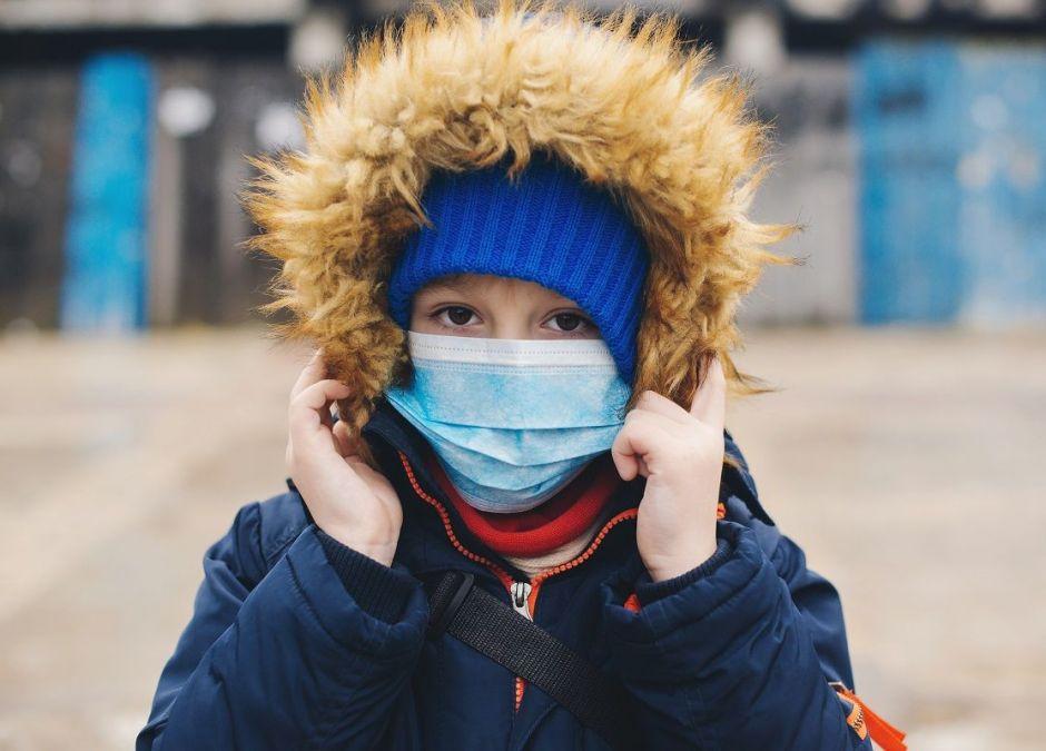 Dzieci podatne na koronawirusa tak samo jak dorośli