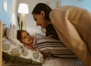 Dzieci powinny spać przed 20 dla zdrowia własnego i ich mam