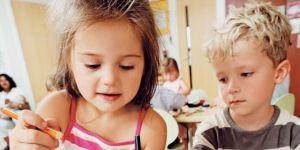 dzieci, przedszkole, przedszkolaki, malować, rysować, kredki