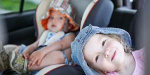 dzieci w aucie, bezpieczna podróż, fotelik samochodowy