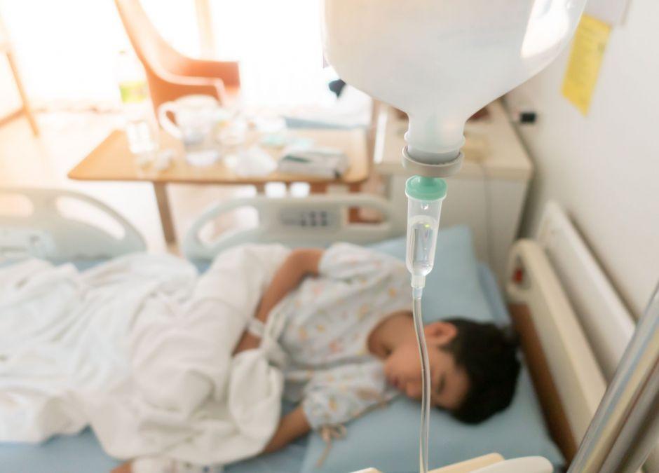 dzieci z Afganistanu zatrute grzybami
