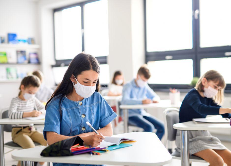 Dzieci z koronawirusem w szkołach