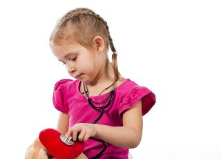 dziecko, badanie, pluszak, zdrowie dziecka