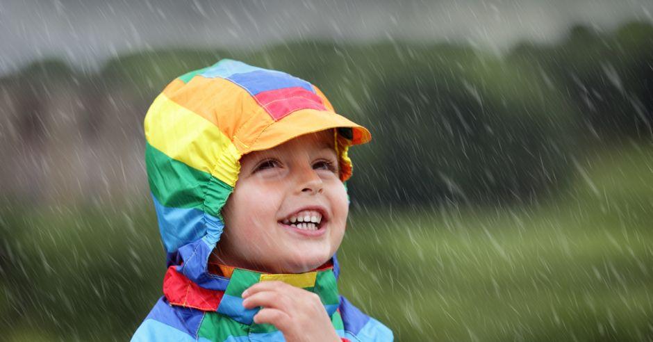 dziecko, burza, deszcz