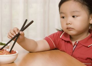 dziecko, chinka, kuchnia, pałeczki