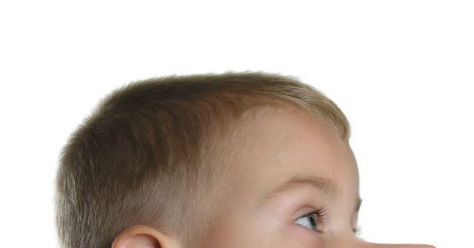 dziecko, chłopiec, przedszkolak, kłamać, pinokio, nos