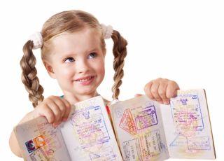dziecko, dwa paszporty, podwójne obywatelstwo