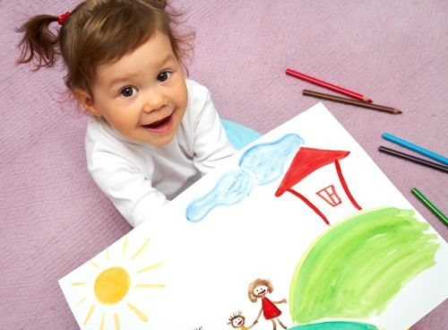 27-miesięczne dziecko rysuje