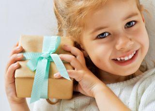 dziecko, dziewczynka, prezent