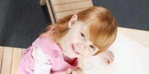dziecko, dziewczynka, rysowanie, kredki