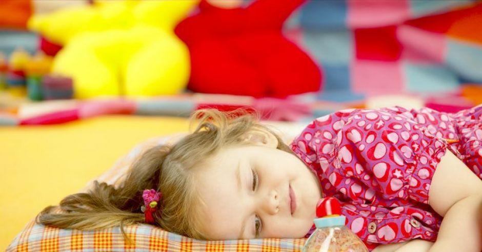 dziecko, dziewczynka, sen