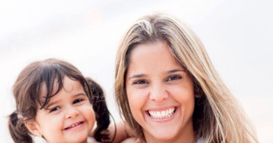 dziecko, dziewczynka, uśmiech, mama