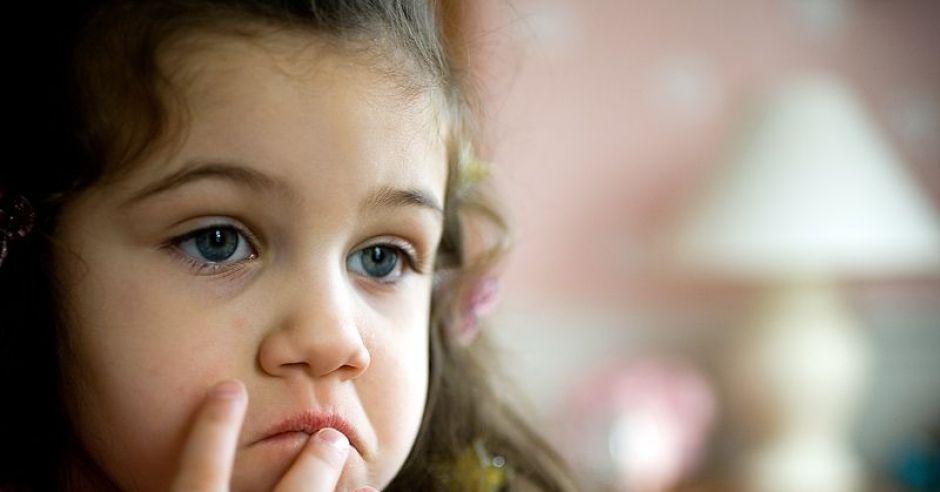 dziecko, humor, smutek, mina