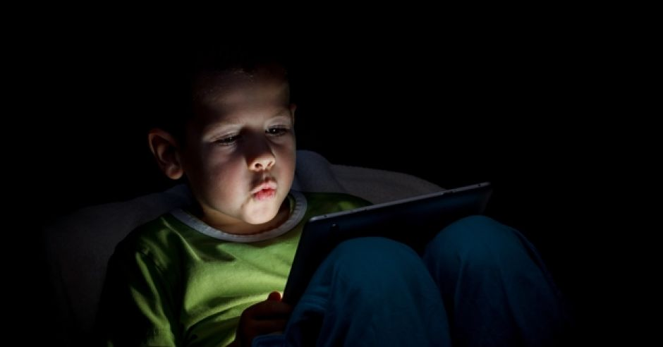 dziecko i tablet