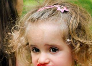 Dziecko je truskawki