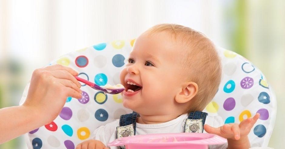 dziecko, karmienie, jedzenie, karmienie dziecka, posiłek
