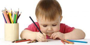 dziecko, kredki, pisać, przedszkolak