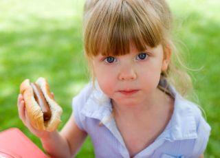 dziecko, kuchnia dla malca, parówki, hot-dog