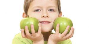 dziecko, kuchnia, owoce, jabłka