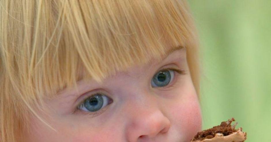 dziecko, kuchnia, słodycze, ciasto