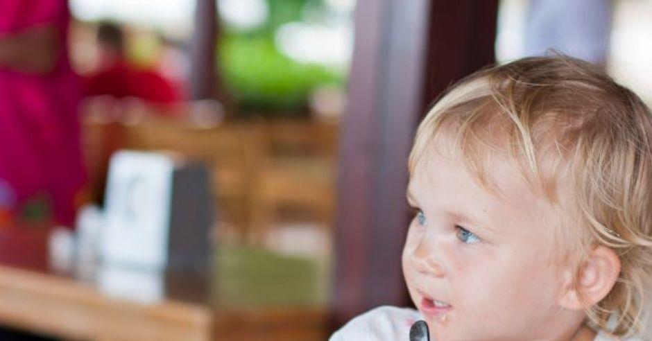dziecko, kuchnia, talerz