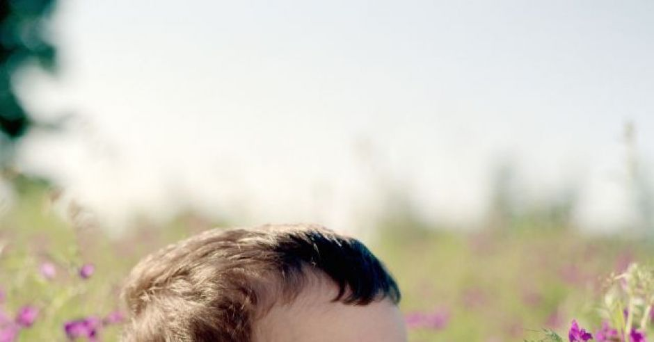 dziecko, kwiaty, łąka