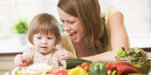 dziecko, mama, jedzenie