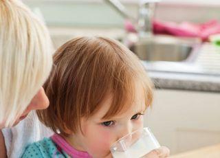 dziecko, mama, mleko, kuchnia