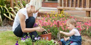 dziecko, mama, ogród