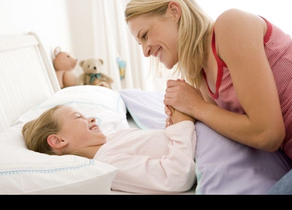 dziecko, mama, piżama, łóżko, sen, rozmowa